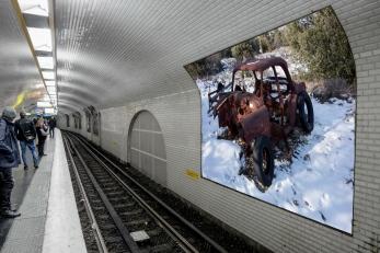 metro carcasse voiture