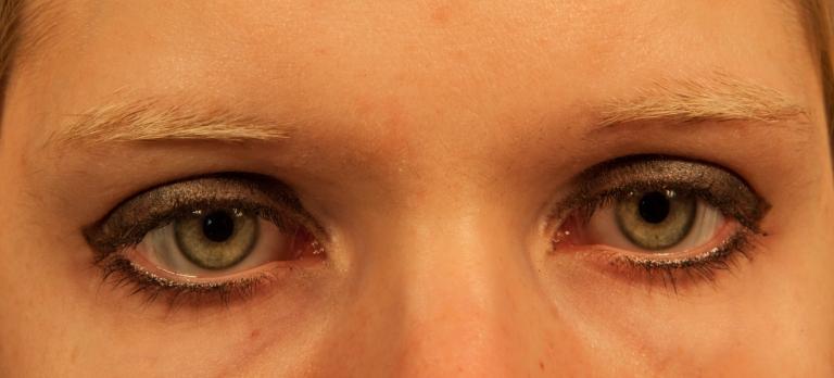 yeux anais.jpg