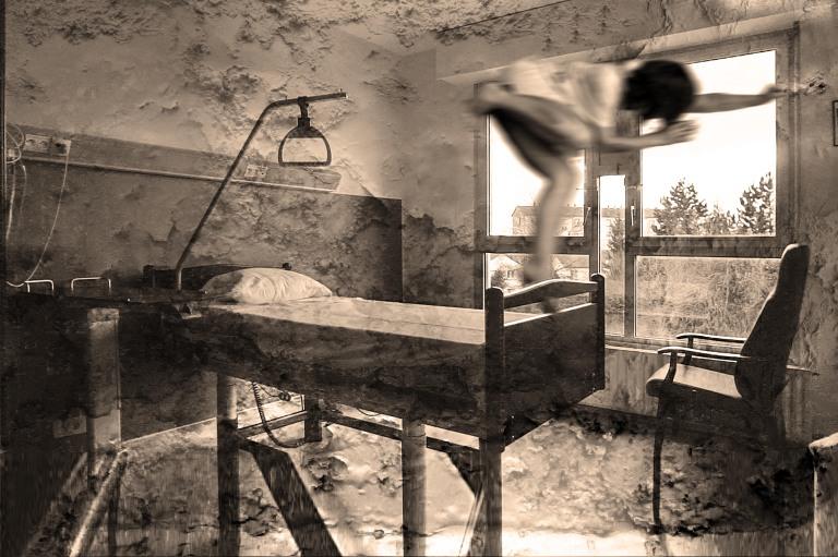 chambre fantome malade 3 NB.jpg